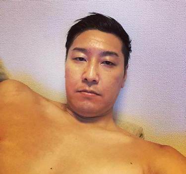 チョコプラ長田の肩幅