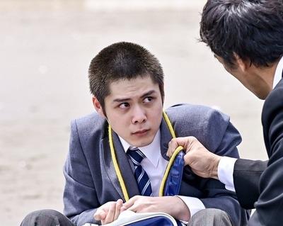 原健太を演じる細田佳央太