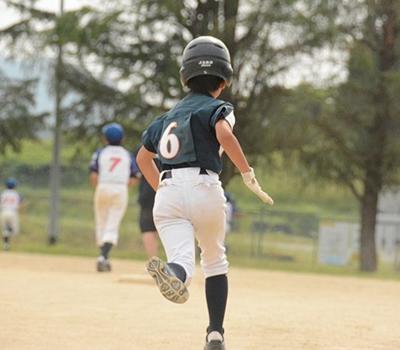 野球少年のイメージ写真